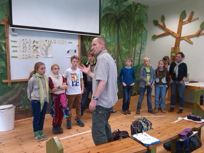 Aras in der Zooschule